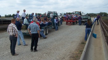large group meeting for feedlot field day
